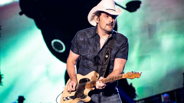 Music News - Brad Paisley To Star In New Amazon Comedy Series 'Fish Out Of Water'