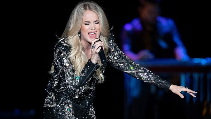 Watch Carrie Underwood And Joan Jett's 'Sunday Night Football' Opening