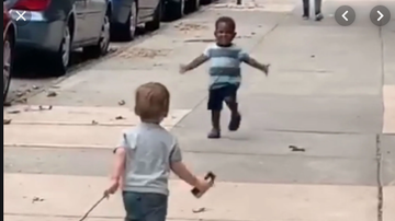 Qui West - Dad Posts Video Of Toddler Besties Running Toward Each Other For A Hug!