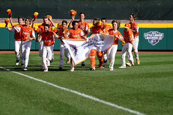 Louisiana's Little League Champs Ate Popeyes Sandwiches at