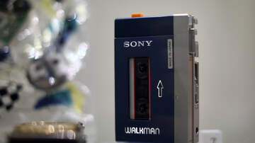 Scott Stevens - SONY BRINGING BACK THE WALKMAN. SORT OF