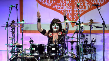 Jimmy the Governor - Kiss' Eric Singer is Sworn in as an Honorary Police Officer