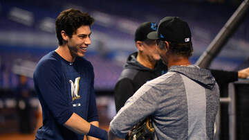 Brewers - Report: Yelich won't need surgery on injured kneecap
