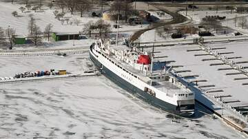 Walton And Johnson - 'Climate Change' Ship Crew Concerned About Melting Ice Gets Stuck in Ice
