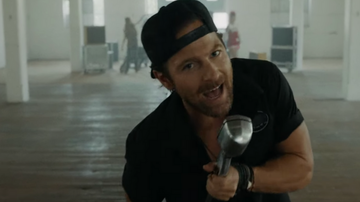 iHeartCountry - Kip Moore Is Looking For Love In His Fun New Music Video For 'She's Mine'