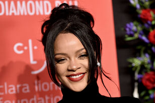 Rihanna Sparks Pregnancy Rumors At Diamond Ball