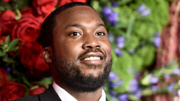 Trending - Meek Mill Donates Backpacks & Supplies To Former Elementary School