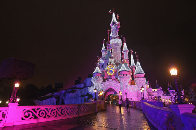 Disneyland Resort Paris - Christmas Lights Switch On
