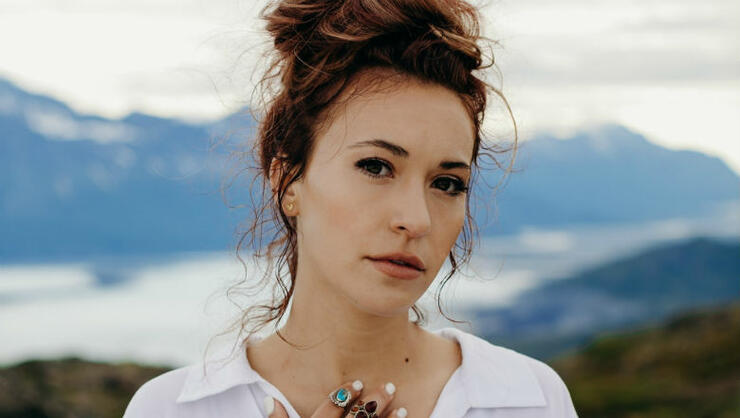 Lauren Daigle Announces 2020 World Tour During Intimate NYC Performance | iHeartRadio