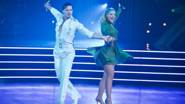 Music News - Lauren Alaina Cha-Cha's To Shania Twain For 'Dancing With The Stars' Debut
