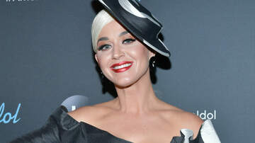 Headlines - Katy Perry Wipes Out On Roller Skates, But Plays It Off Like A Pro