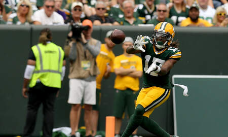 Packers - Davante Adams talks playbook, diva receivers, and more