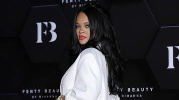 Trending - Rihanna Is The Focus Of Twitter Drama After Texting During A Broadway Play