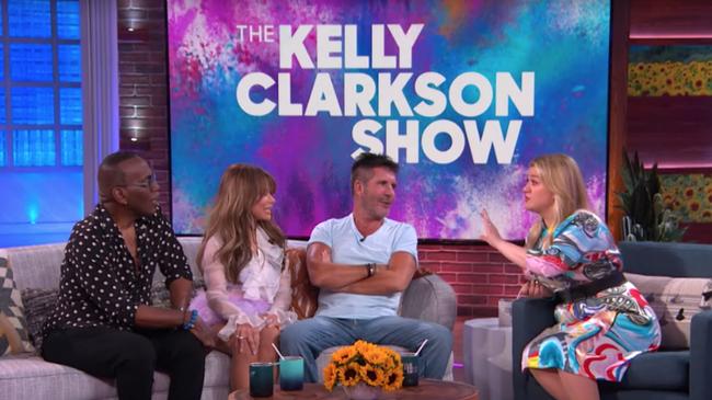 Kelly Clarkson Reunites With Simon Cowell, Paula Abdul & Randy Jackson