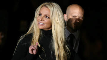 image for Britney Spears Breaks Her Foot While Dancing: See Her 'Stronger' Cast