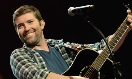 Music News - Josh Turner's Tour Bus Involved In Fatal Crash While Traveling To A Show