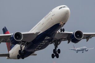 Panic Ensues As Delta Flight Plunges Nearly 30,000 Feet in Minutes