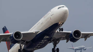 National News - Panic Ensues As Delta Flight Plunges Nearly 30,000 Feet in Minutes