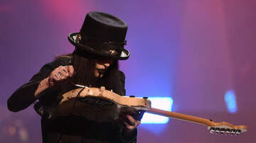 iHeartRadio Music News - Mötley Crüe's Mick Mars Hoping to Reinvent Himself On Solo Album