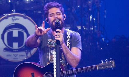 Music News - Thomas Rhett Debuts Emotional 'Remember You Young' Music Video