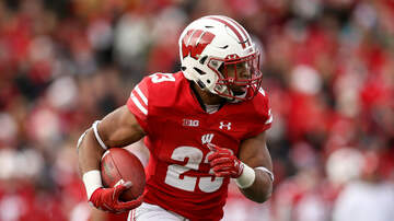 Wisconsin Badgers - Jonathan Taylor leaves Michigan game, questionable to return