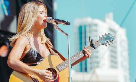 Trending - Maren Morris Is A Rhinestone Goddess At The iHeartRadio Daytime Stage