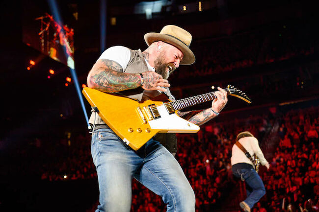 Zac Brown Band Covers Eagles & Rage Against The Machine at iHeart Festival