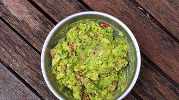 Toby Knapp - World's Biggest Bowl Of Guac Weighs In At Over 9,000 Pounds