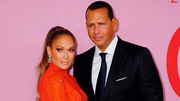 Entertainment News - Alex Rodriguez Gushes Over Jennifer Lopez's Epic Versace Runway Moment