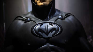 Cliff Notes on the News - Batman Helps Pre-School Girl Who Was Bullied