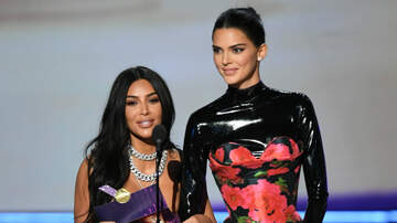 Trending - Kim Kardashian & Kendall Jenner Got Laughed At By The Emmys Audience