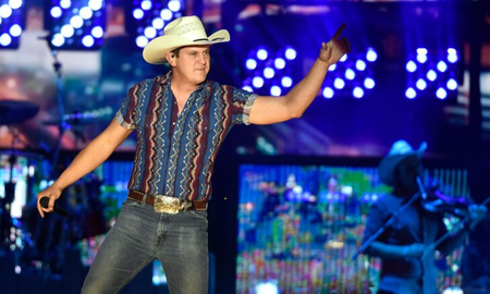 iHeartCountry - Jon Pardi Shares Reflective New Song, 'Old Hat'