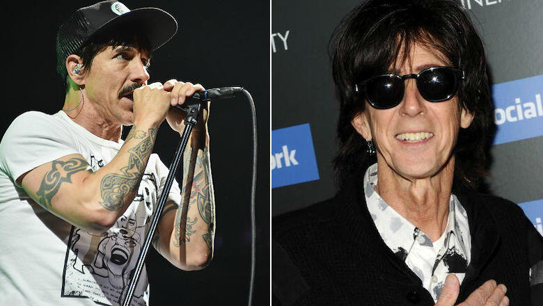 Red Hot Chili Peppers Pay Tribute to Ric Ocasek At Singapore Show: Watch | iHeartRadio