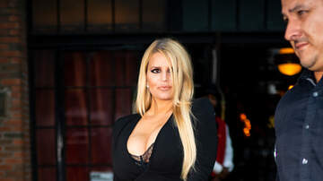 Rachel Elliot - Jessica Simpson Debuts 100lb Weight Loss