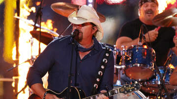 Ric Rush - Toby Keith gives wounded Marine new vehicle at his show