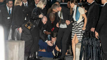 Entertainment News - Justin Timberlake Attacked At Paris Fashion Week With Jessica Biel
