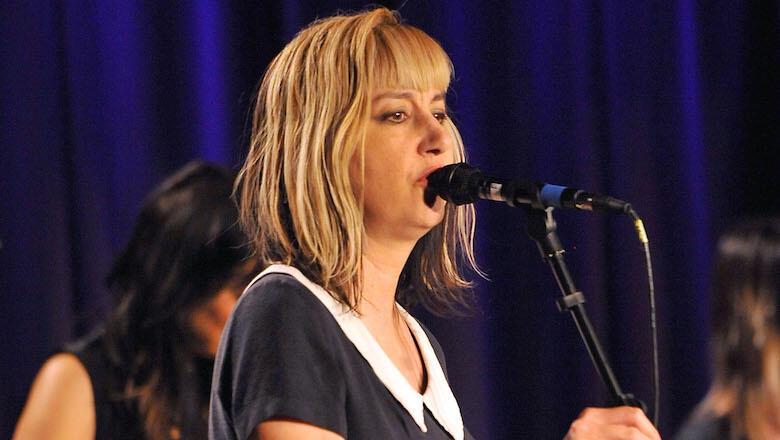 Kim Shattuck, Muffs Singer & Former Pixies Bassist, Dead At 56