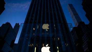 Gabby Diaz - Man is suing Apple for Turning him Gay
