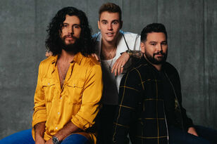 """Dan + Shay & Justin Bieber Team Up for Romantic New Song """"10,000 Hours"""""""