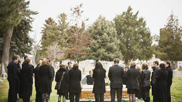 Toby + Chilli Mornings - Survey Reveals How Americans Want to Be Buried