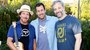 Trending - Eddie Vedder Performs With Adam Sandler And Judd Apatow For Charity: Watch