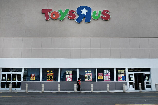 As Toys R Us Shutters Its Stores, Employees Protest Over Lack Of Severances