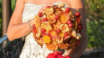 Suzette - Brides Are Carrying Pizza Bouquets Instead Of Flowers & I'm All For It