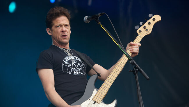 "Jason Newsted ""Proud"" Of Metallica, Still Has Great Relationship With Band"