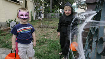 Chris Marino - The 9 Worst Things To Give Out To Trick-Or-Treaters