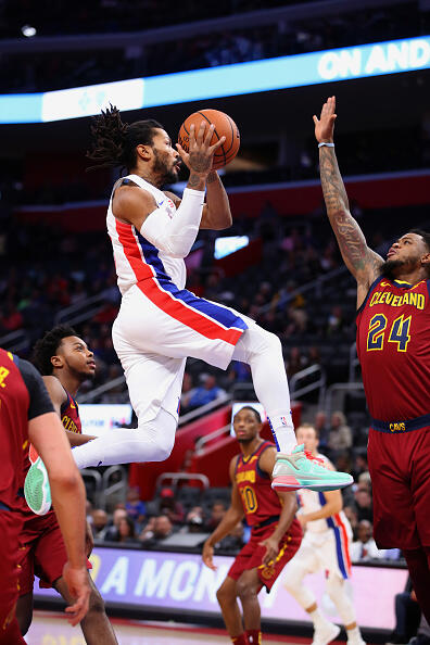 Pistons Rally From 19-Point Deficit to Defeat Cavaliers 109-105