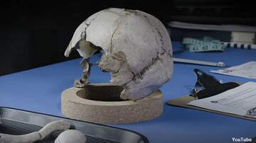 Coast to Coast AM with George Noory - Video: Is This Amelia Earhart's Skull?