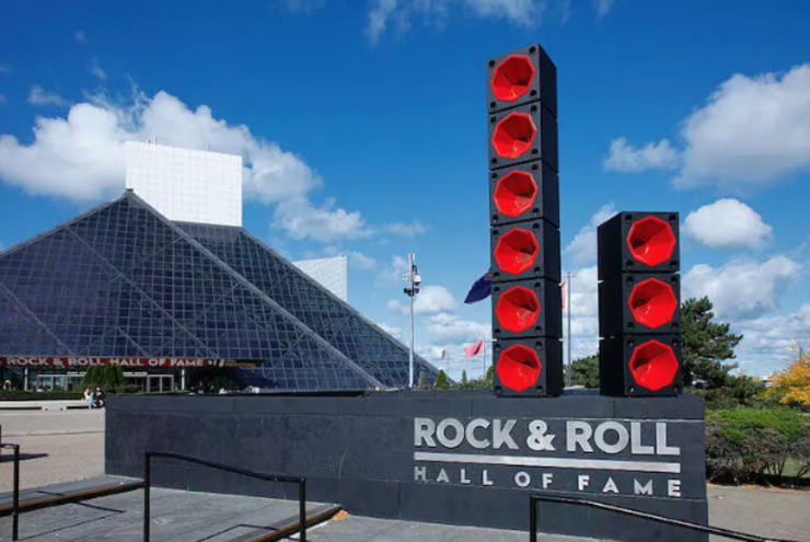 15 Outrageous Rock and Roll Hall of Fame Snubs | iHeartRadio