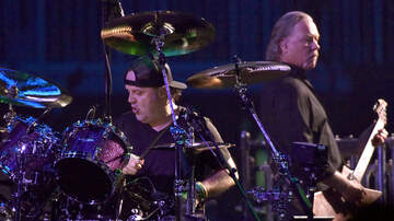 Rock News - Metallica's Lars Ulrich Says James Hetfield Is Healing Himself In Rehab