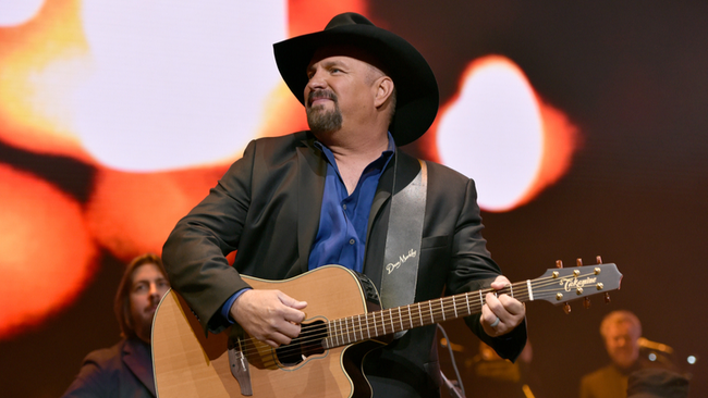 Garth Brooks Reveals Next 'Dive Bar Tour' Stop Will Be In Ohio